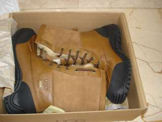 UGG Adirondack Boot II 8 (NEW IN BOX)