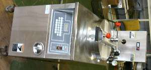 BKI Electric Pressure Fryer for Broasted Chicken with Built In FIlter