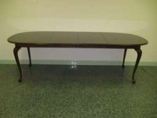 Ethan Allen Georgian Court Cherry Oval Cabriole Table