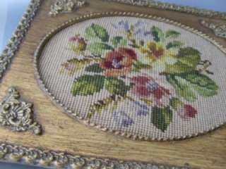 THIS IS A GORGEOUSANTIQUE GOLD GILT WOOD & GESSO OVAL PICTURE