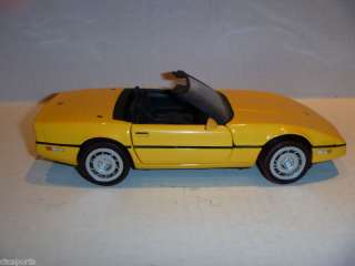 1986 Chevrolet Corvette Die Cast Model 124 Scale
