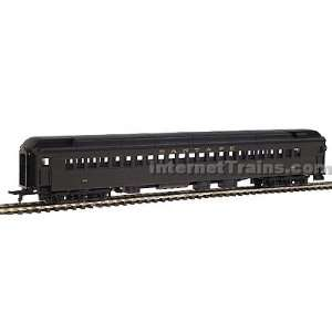 IHC HO Scale Heavyweight Coach   Santa Fe (Pullman green