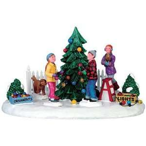 93762 Decorating the Front Yard Tree 6x5x4 Patio, Lawn & Garden