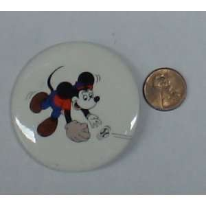 disney vintage mickey mouse baseball 1.5 button
