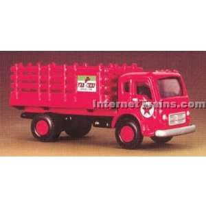 HO Scale International CO 190 Stakebed Truck   Texaco: Toys & Games