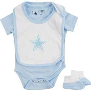 Dallas Cowboys Newborn Light Blue Monkey Bars Creeper, Bib
