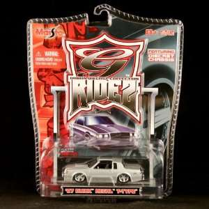 87 BUICK REGAL T TYPE (SILVER) Maisto 164 Scale 2005 G