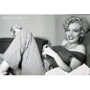 MARILYN MONROE   SEXY IN BED   VINTAGE POSTER(Size 24x36