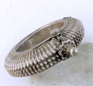ETHNIC TRIBAL OLD SILVER SPIKE BRACELET BANGLE BELLY DA