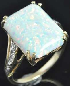 Two Tone 10K Gold Opal & Diamond Solitaire w/ Accents Cocktail Ring 6