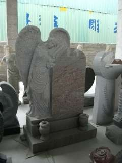 BEAUTIFUL SOLID GRANITE WEEPING ANGEL MONUMENT MM3