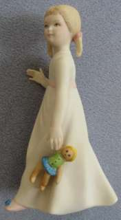 CYBIS Porcelain Figure Wendy with Doll Peter Pan Mint