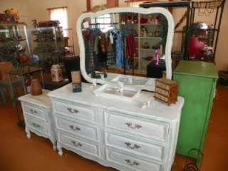 HENRY LINK VINTAGE FRENCH PROVINCIAL SHABBY CHIC DRESSER W/MIRROR SIDE