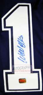 Autographed Wendel Clark Toronto Maple Leafs Jersey