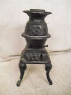 Traditional Cast Iron Pot Belly Stove (8927)*.