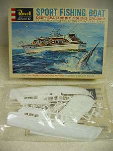 RARE Vintage Revell CHRIS CRAFT SPORT FISHING BOAT Kit 156 Scale *NOB